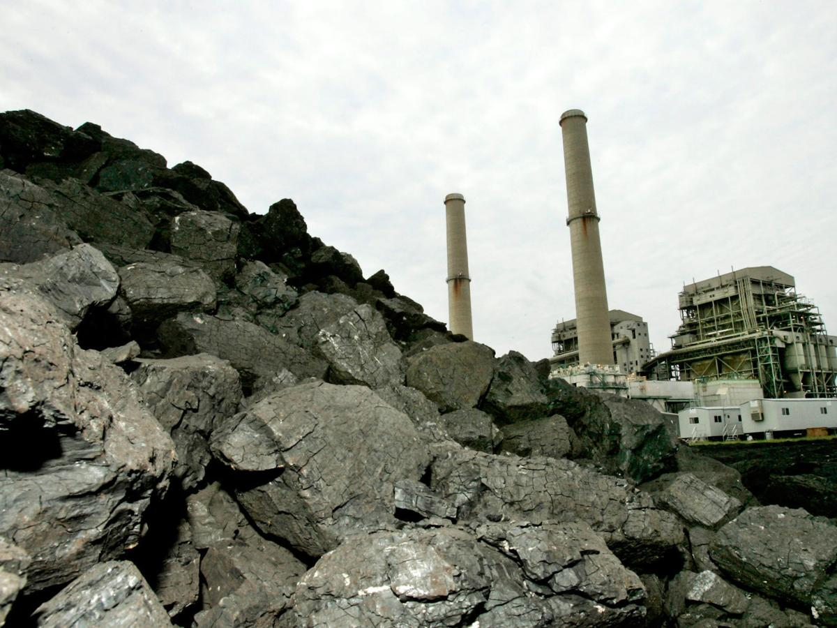 Big Brown among 2 coal-fired power plants scheduled to close
