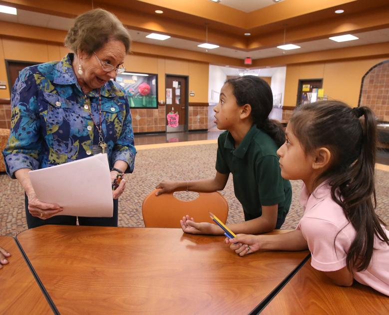 88-year-old bilingual tutor, Baylor grad works with Spanish-speaking students at Bell's Hill