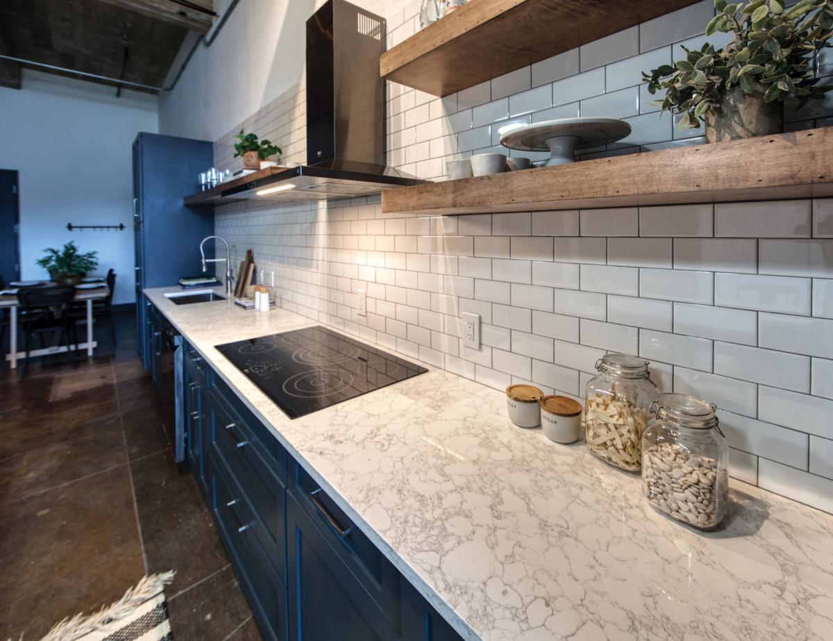 208 kitchen 2.jpg