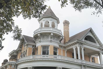 Historic homes stand out from more pragmatic houses in Waco's past