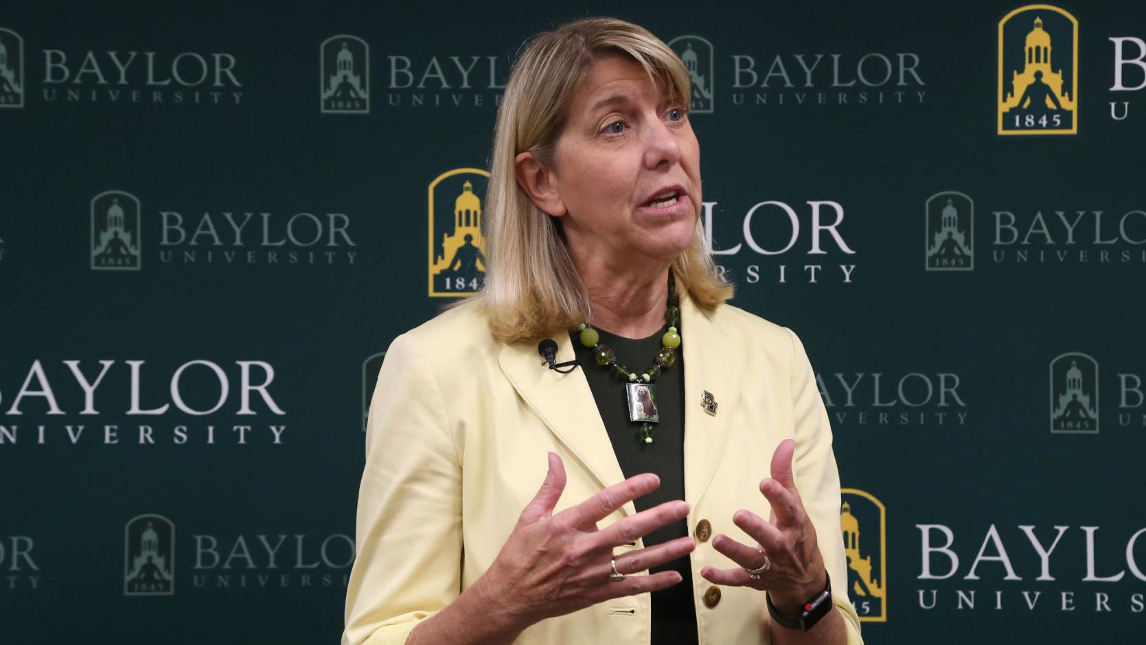 Livingstone says she plans to stay at Baylor despite OSU vacancy