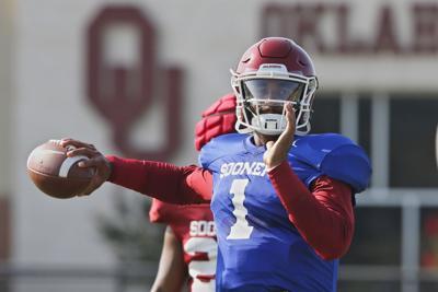 Oklahoma QB Hurts barely edges out Mordecai, Rattler for job