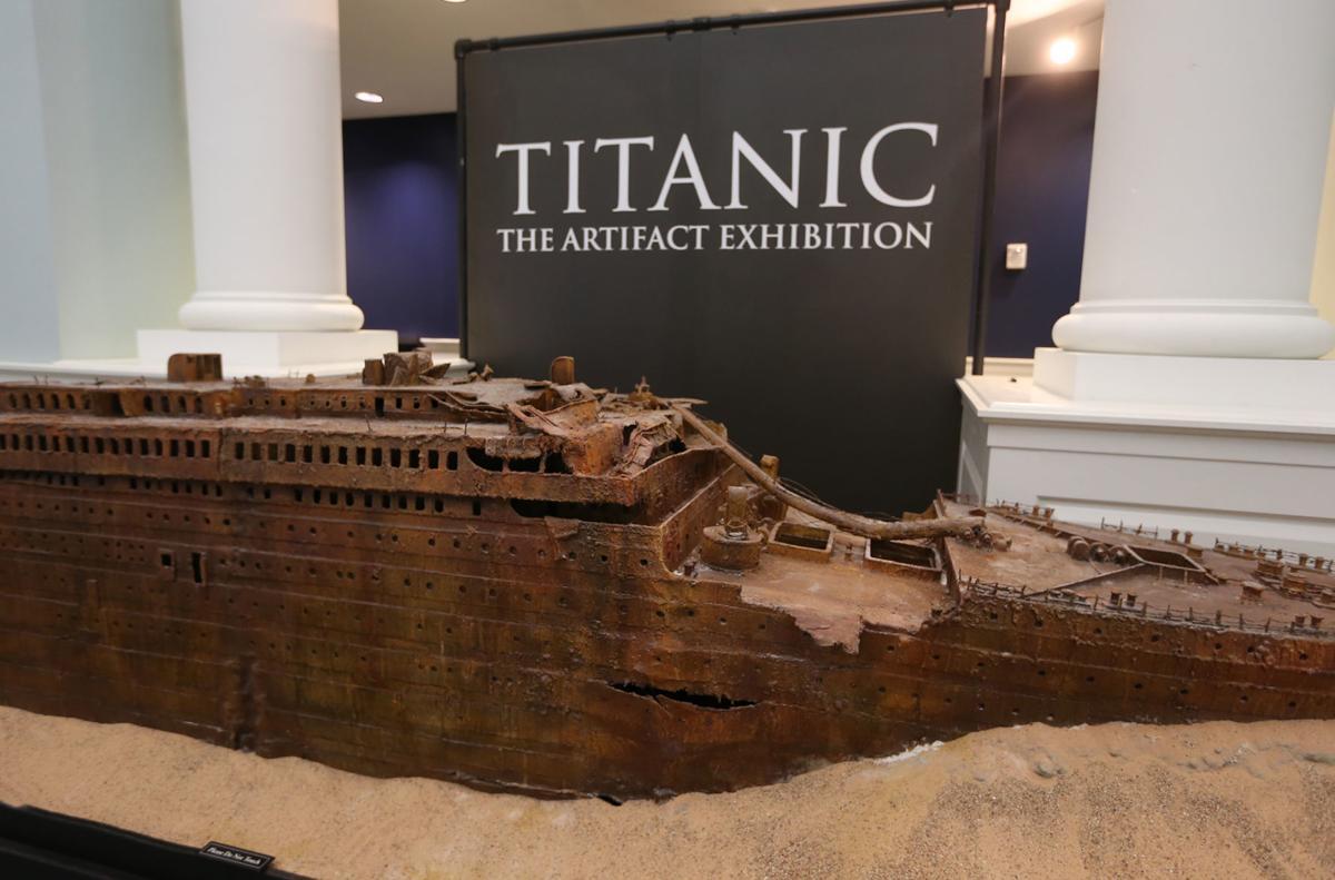 Titanic - wreck model