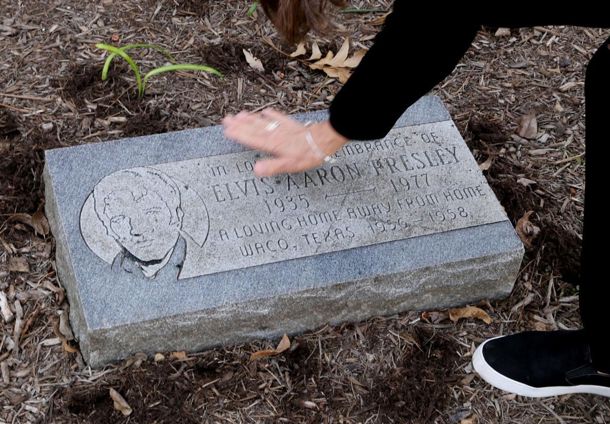 Elvis house headstone