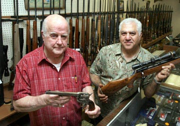 Longtime Waco gun dealer to share space with partner