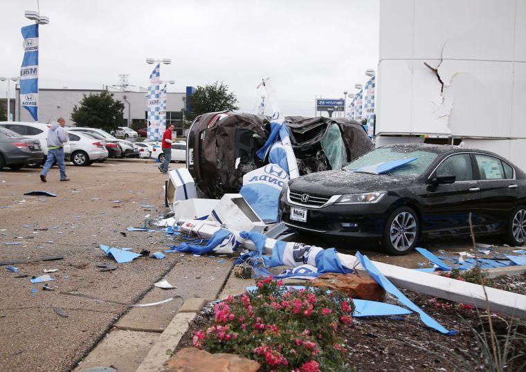driver crashes through waco car dealership business. Black Bedroom Furniture Sets. Home Design Ideas