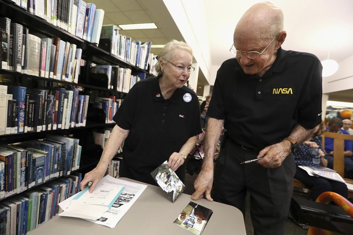 NASA flight controller shares memories of Apollo missions