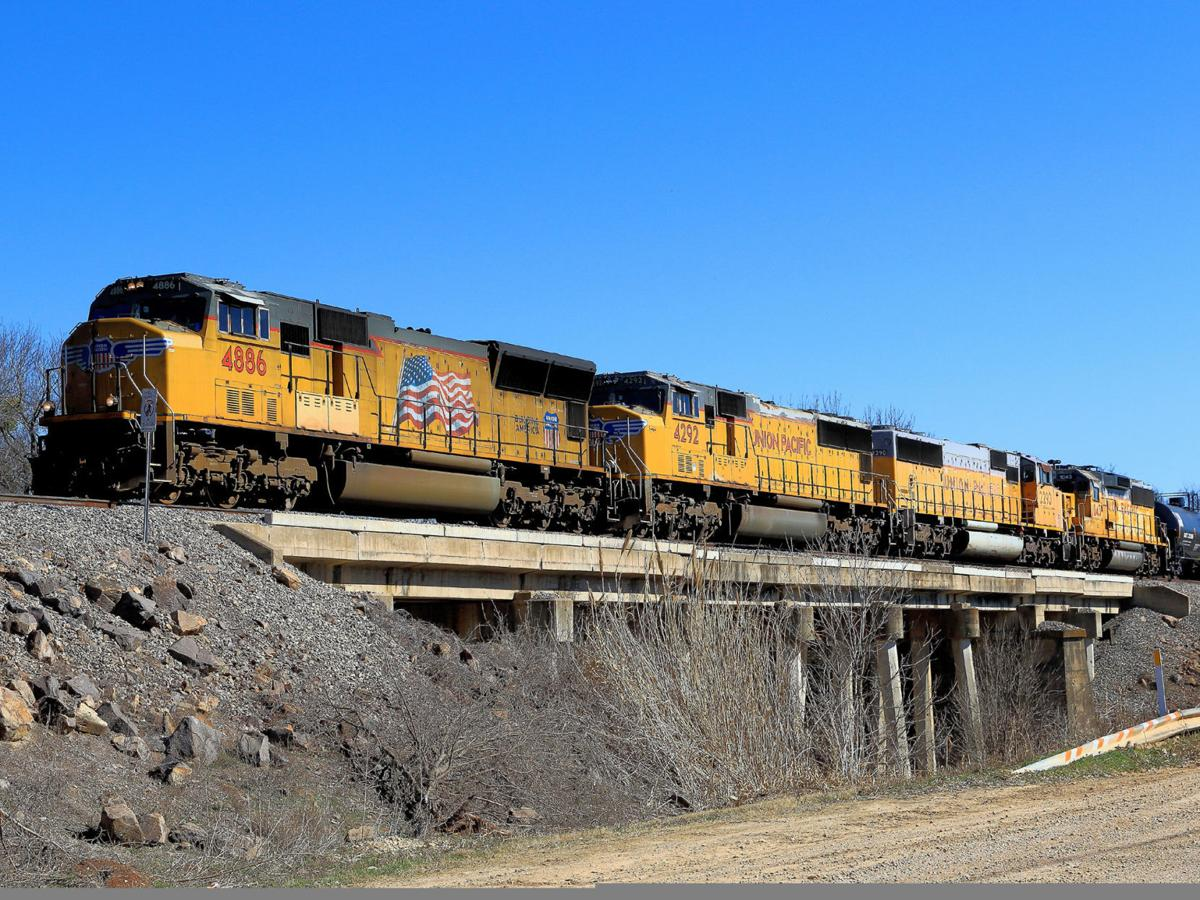 Waco duo make pastime of photography, enthusiasm for trains