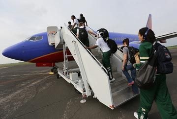 Charter flights help Baylor teams reduce travel time, manage classwork