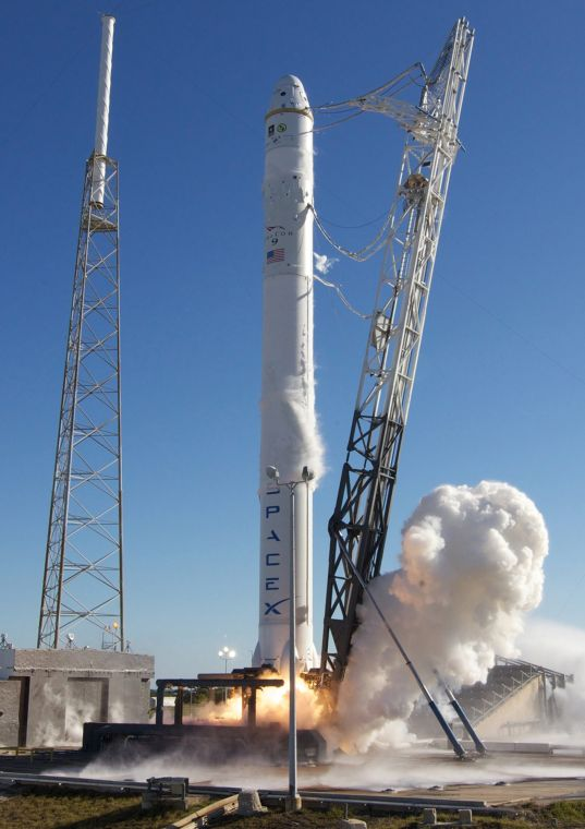 SpaceX gets McGregor approval to test Falcon Heavy ...