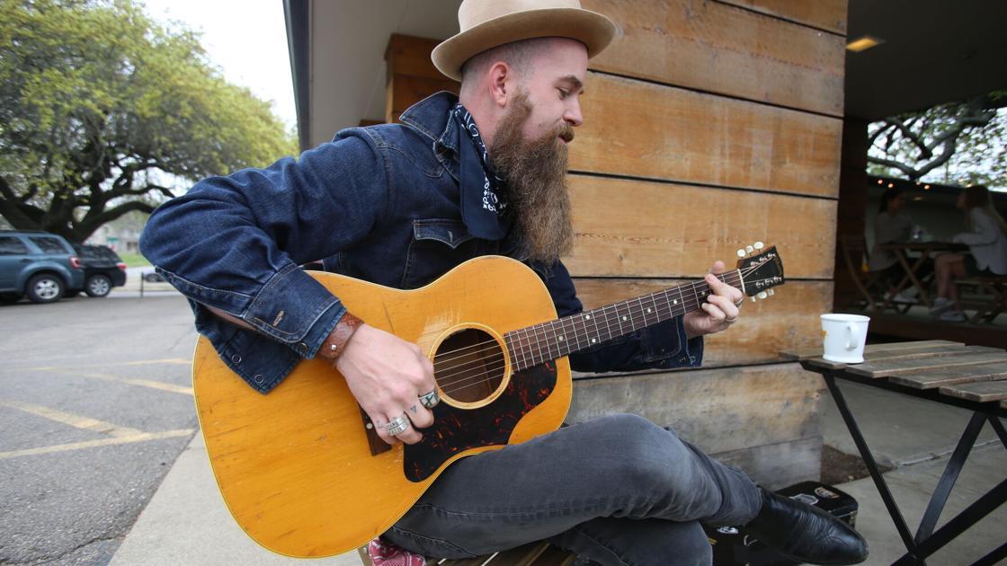 """Waco musician Aaron Konzelman talks about """"The Voice"""""""