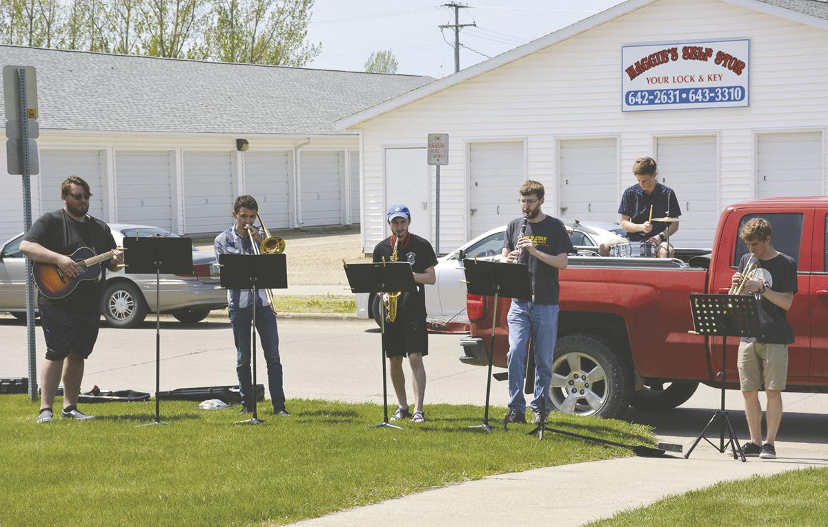 Wahpeton musicians entertain Red River Human Services residents