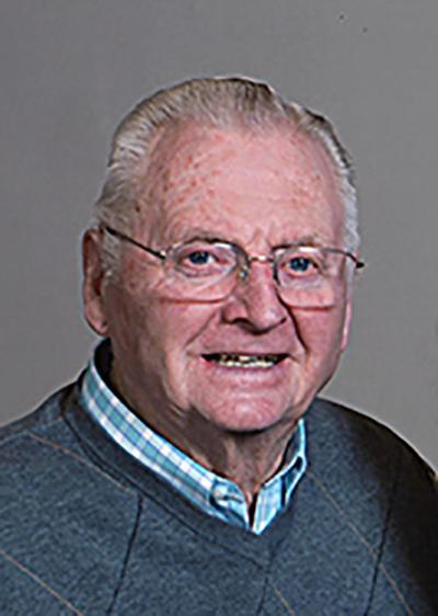 Lynn Eldon Strege, 81
