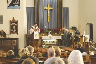 Peace-Trinity says farewell to Pastor Daenzer