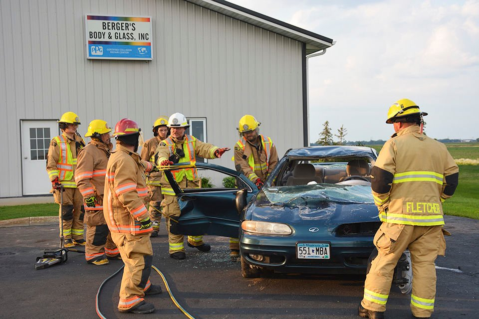 Firefighters come out for auto accident training