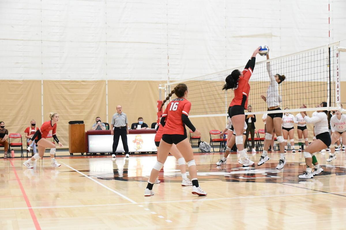 Wildcats feast in 5 against Tetons