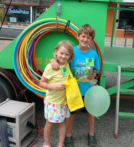 Grand winner 6-year-old Elsa Siljander of Elk River with her brother.