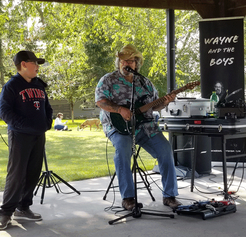 Nine-year-old Landyn Hylla joined Wayne Wagner to sing a song at the concert.