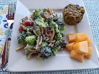 Broccoli cranberry salad with Greek yogurt dressing