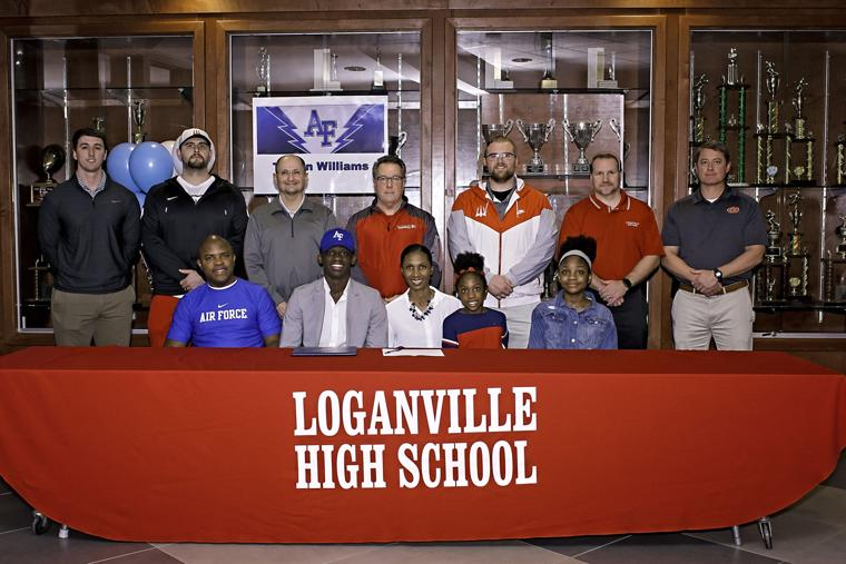 Trevon Williams inks with Air Force