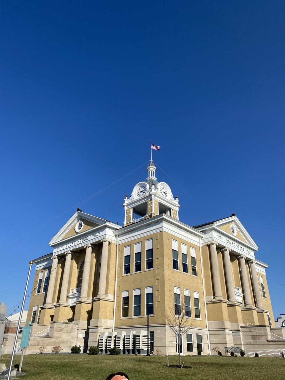 Local man helps flag return to Courthouse