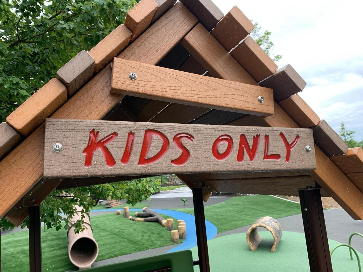 Kids only sign