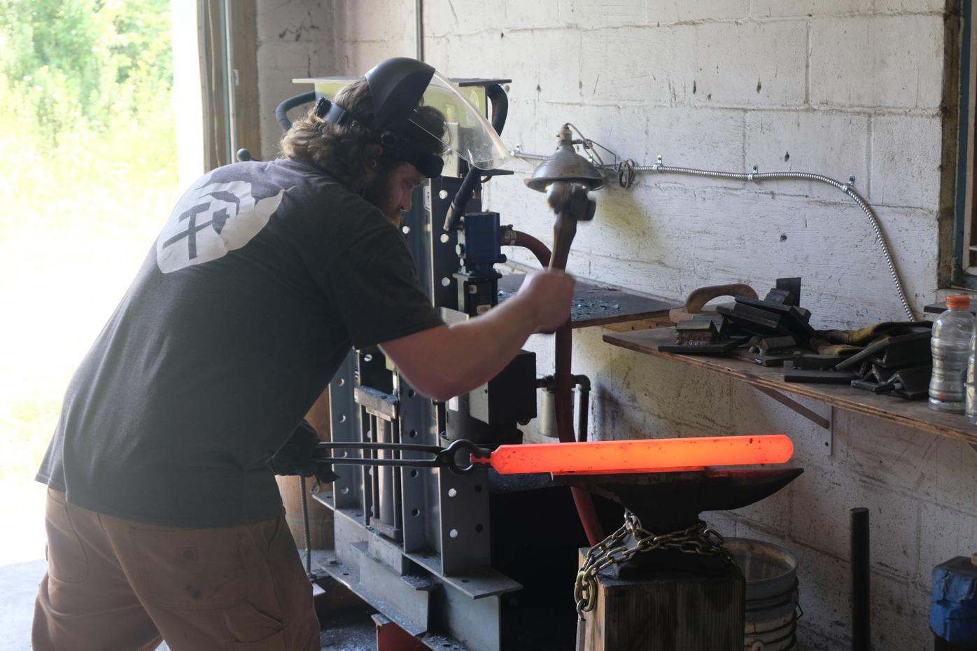 Baker hammering