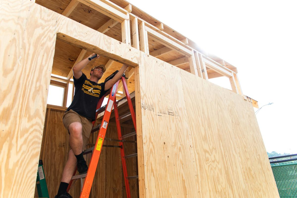 Fine Appalachian Students Build Tiny House For Local Nonprofit Home Interior And Landscaping Ologienasavecom