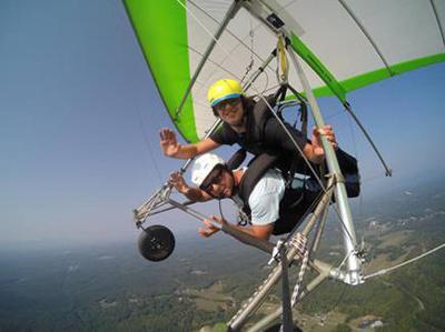 Hang gliding photo