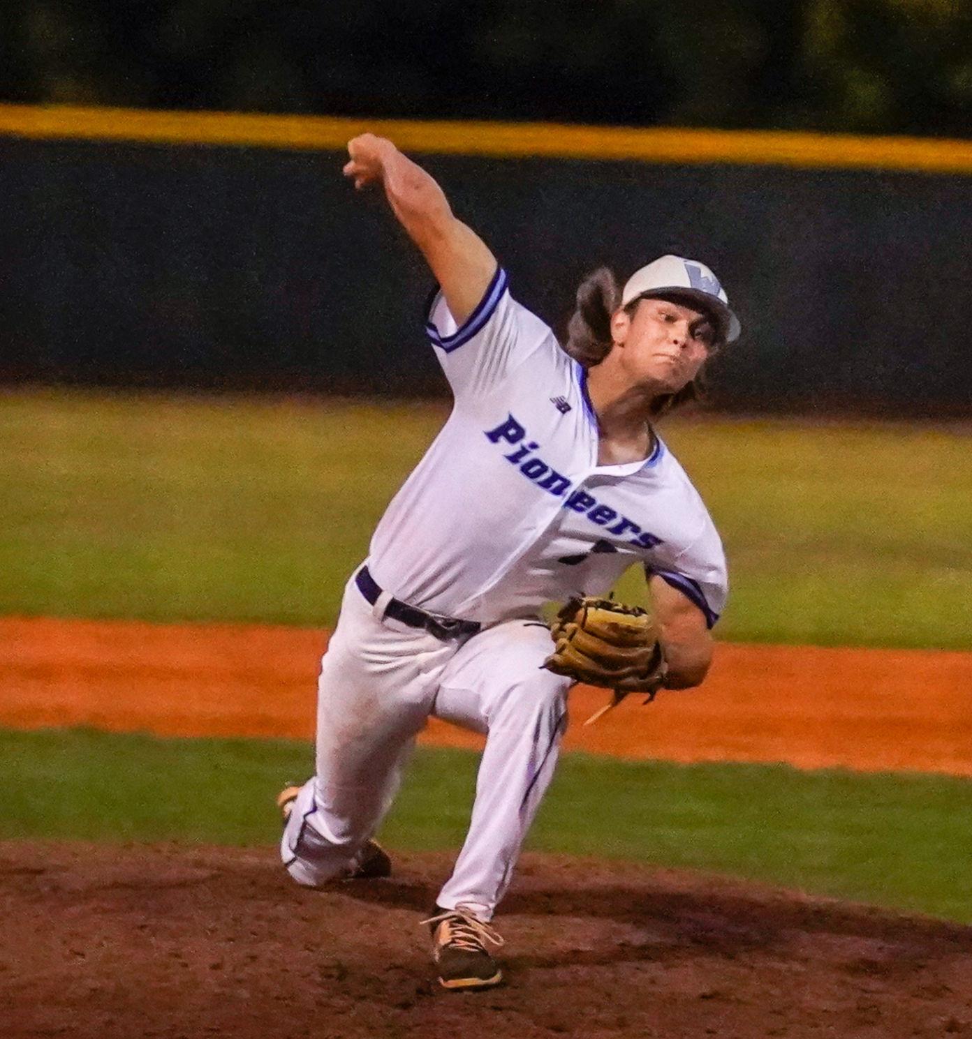 Ryan Beach-Verhey pitching