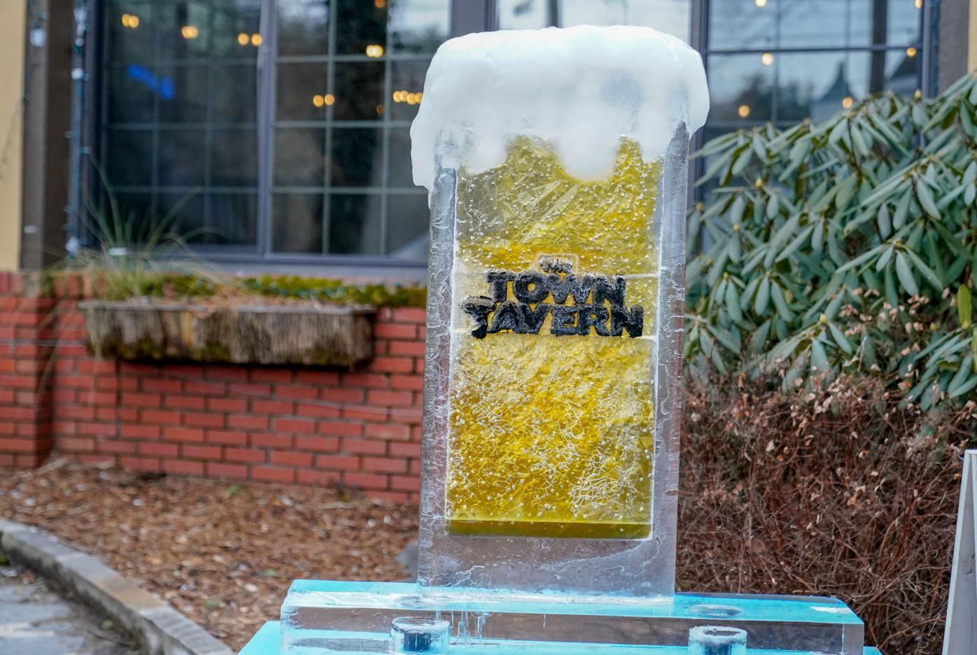 Town Tavern ice sculpture