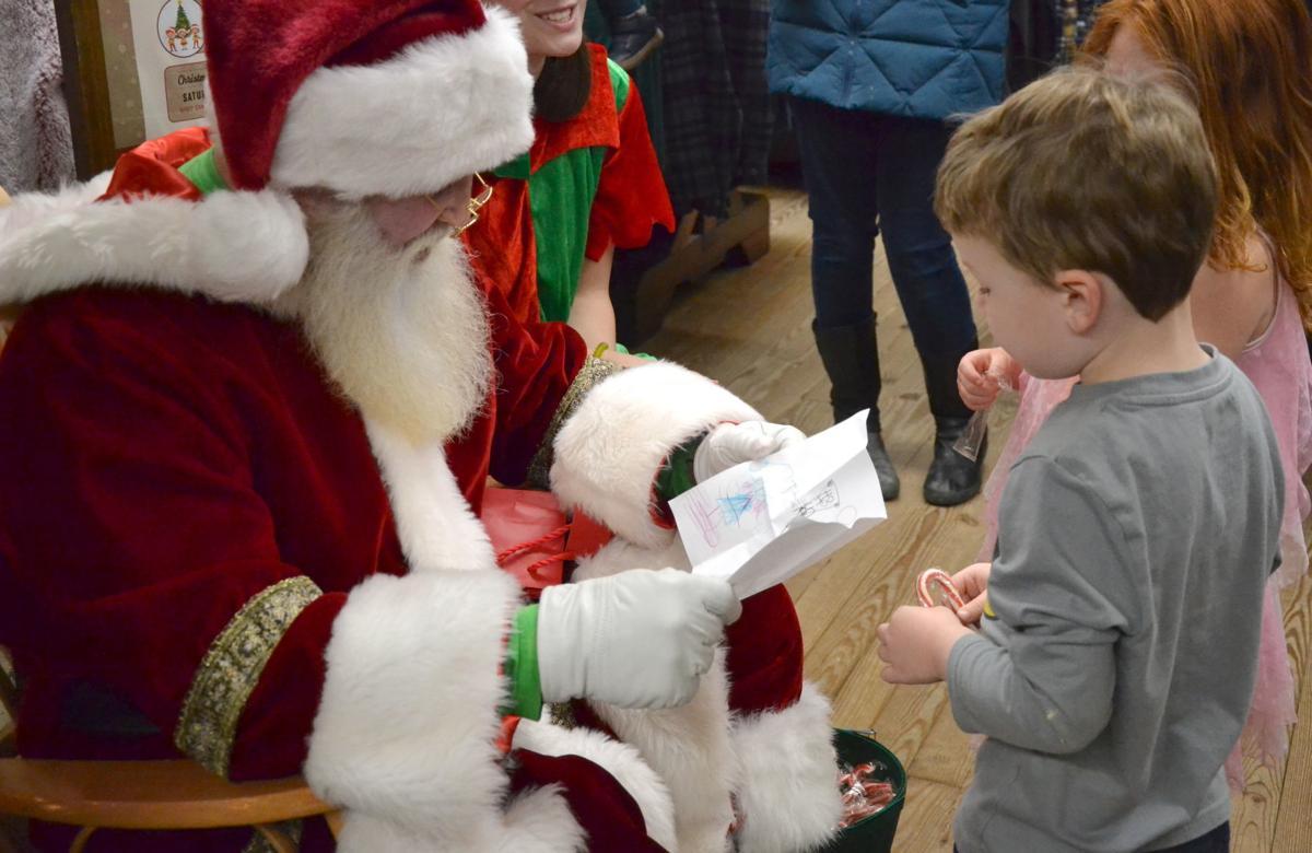 Santa, Henry Hicks