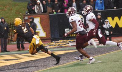 Sutton reaches end zone