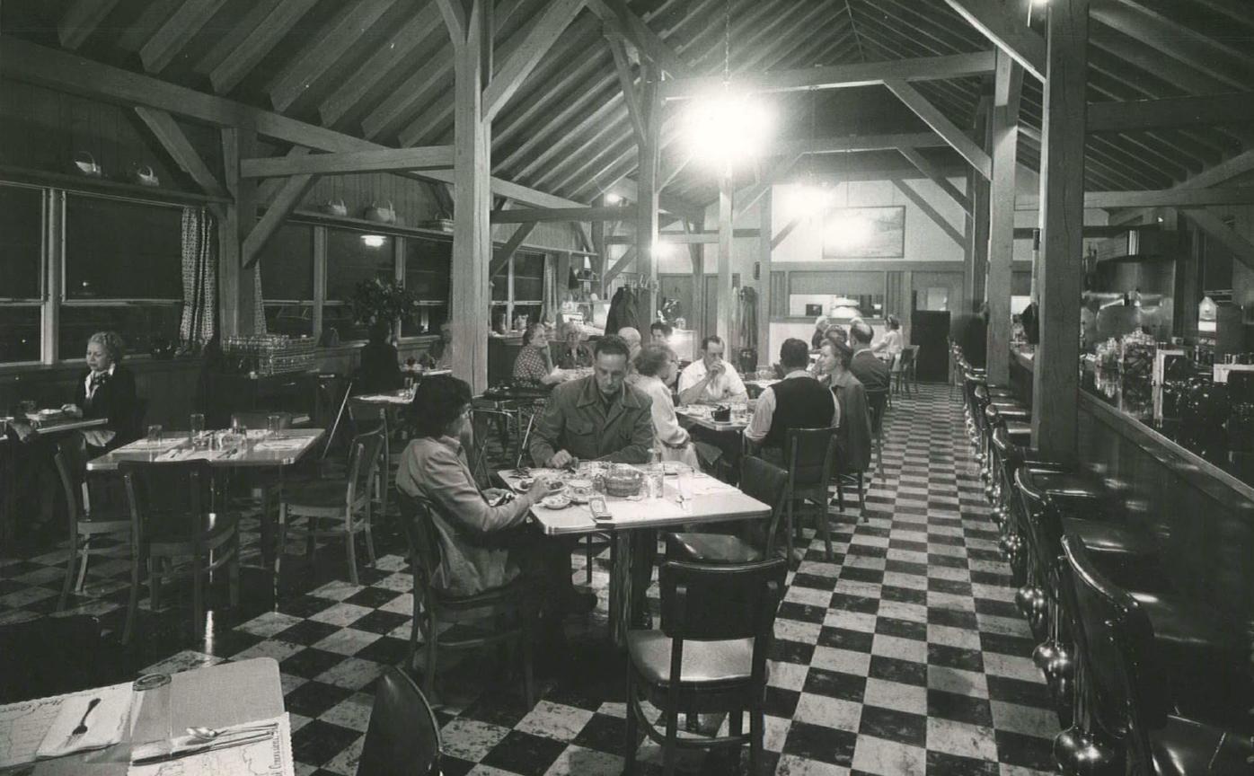 Bluffs Dining Room 1952 Courtesy National Park Service, Blue Ridge Parkway.jpg