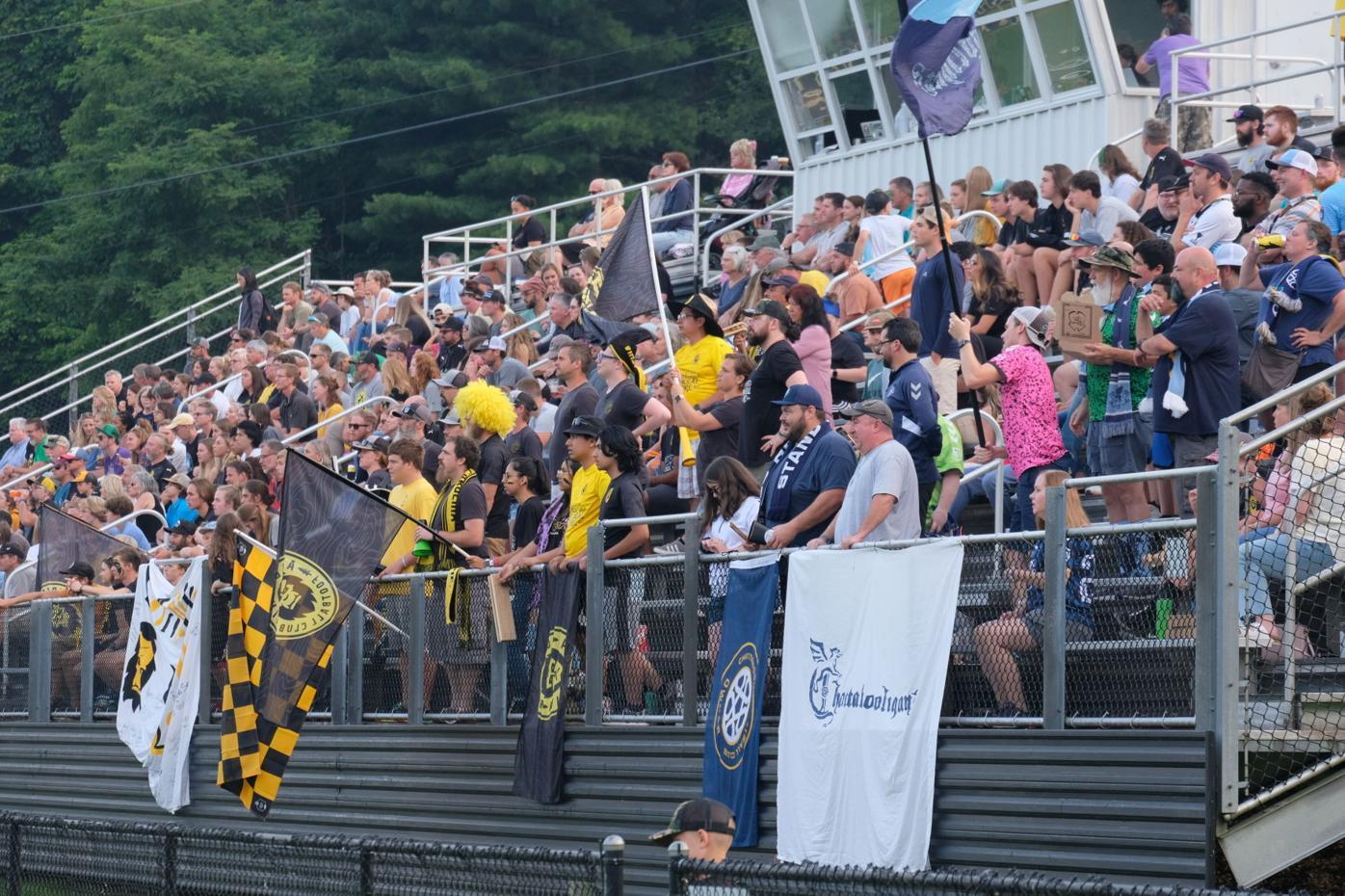 AFC v. CFC crowd