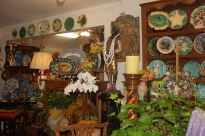 Antique Pop-Up Store interior
