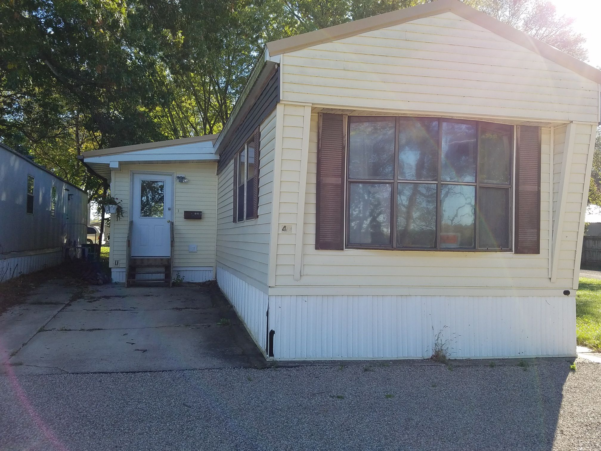2 Bedroom, 1 bath Mobile Home For Sale Independence, IA image 1
