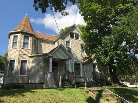 Duplex for Rent 709 W 12th St Cedar Falls, IA image 1