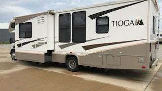 2007 Fleetwood Tioga Model 31M Recreational Vehicle Excellent Condition