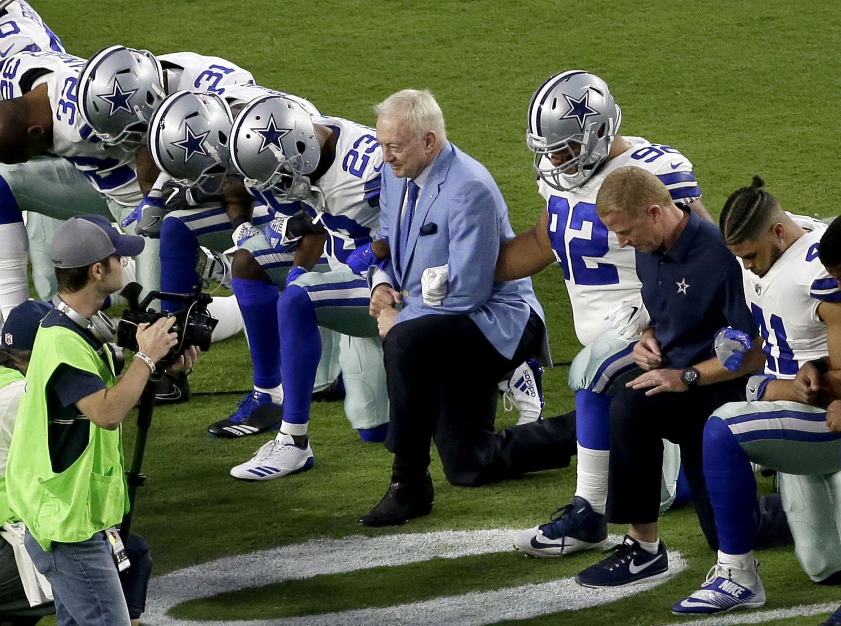 Trump claims Jerry Jones will get players to stop kneeling