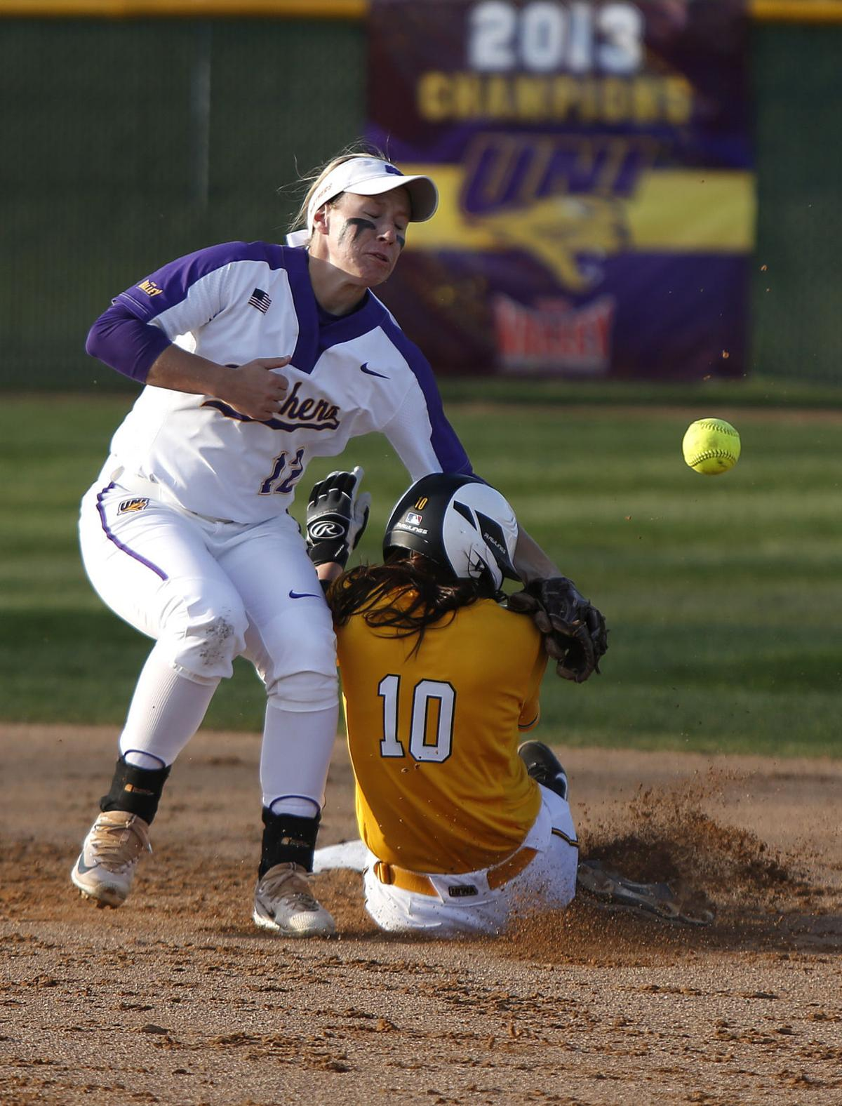 041117mp-uni-iowa-softball-1