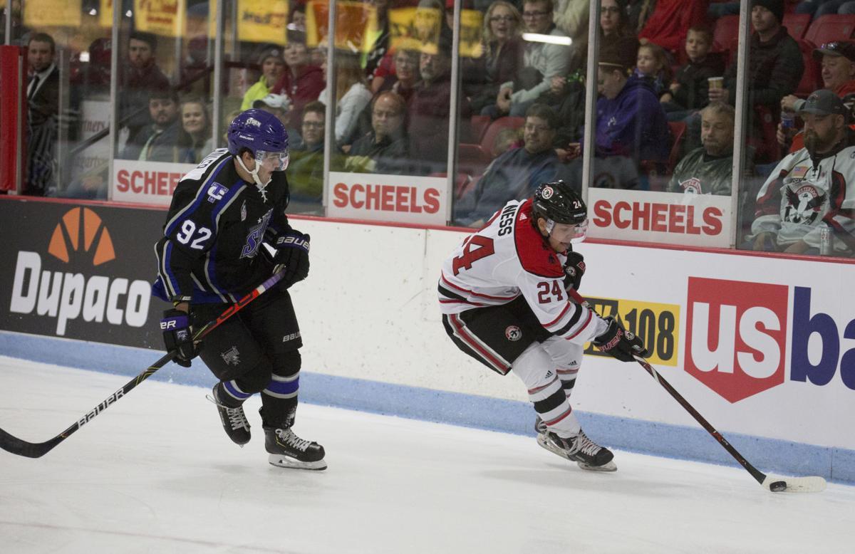 101219kw-blackhawk-hockey-05