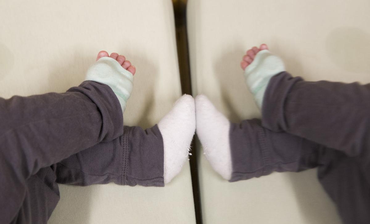 061919kw-owlet-sock-02
