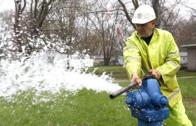 042414tsr-hydrant-flushing
