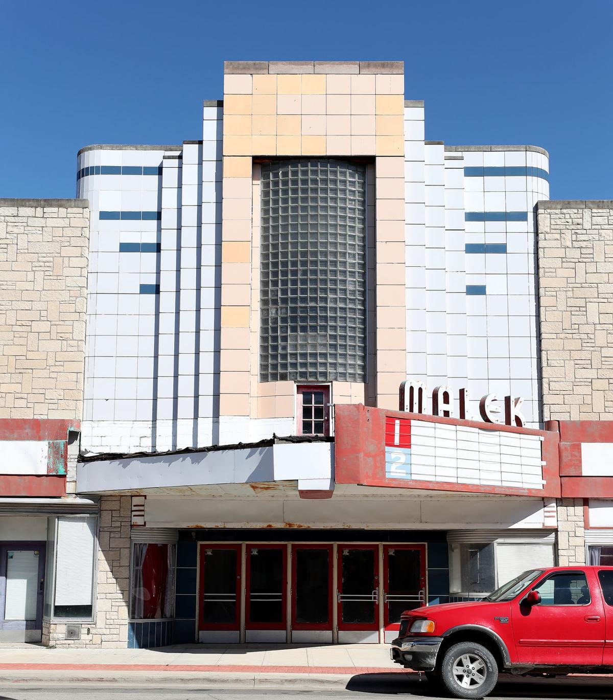 090619bp-malek-theater-1