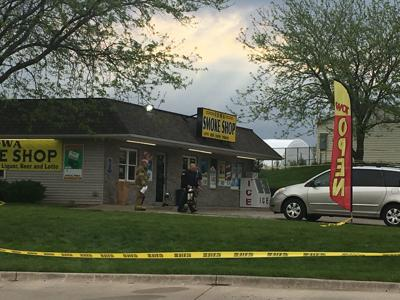 New Details 2 Dead 2 Injured In Shooting Outside Iowa Smoke Shop