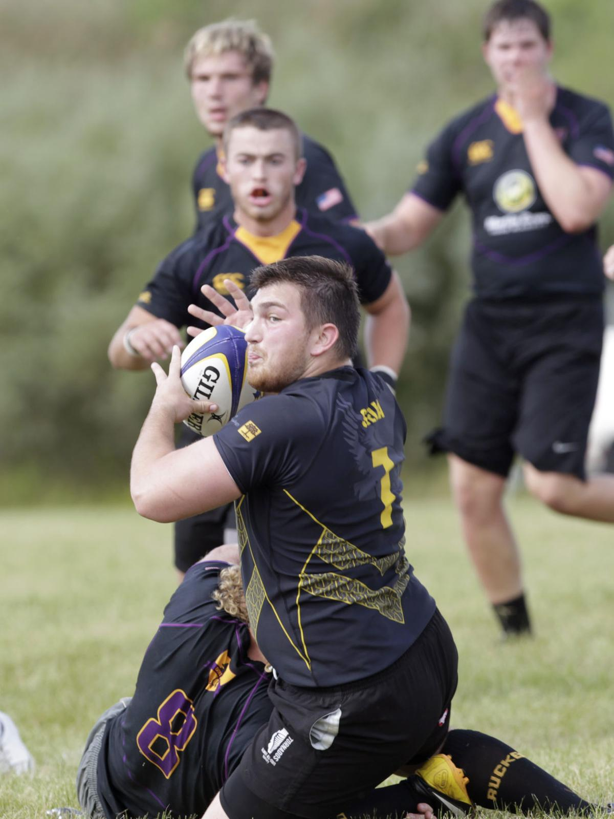 090316tsr-uni-iowa-rugby-scrimmage-06