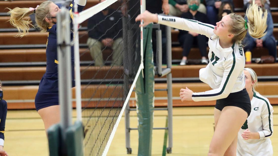 Prep volleyball: Columbus opens postseason in dominant fashion