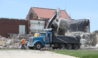 060120bp-lowell-demolition