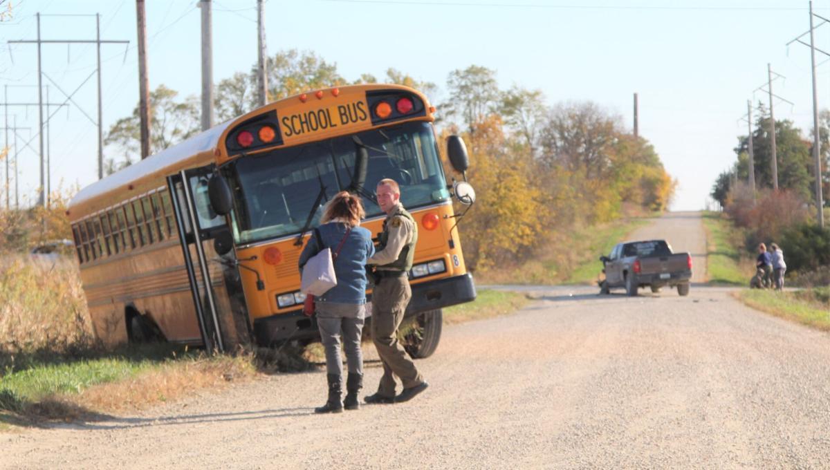 101520jr-accident-bus-1